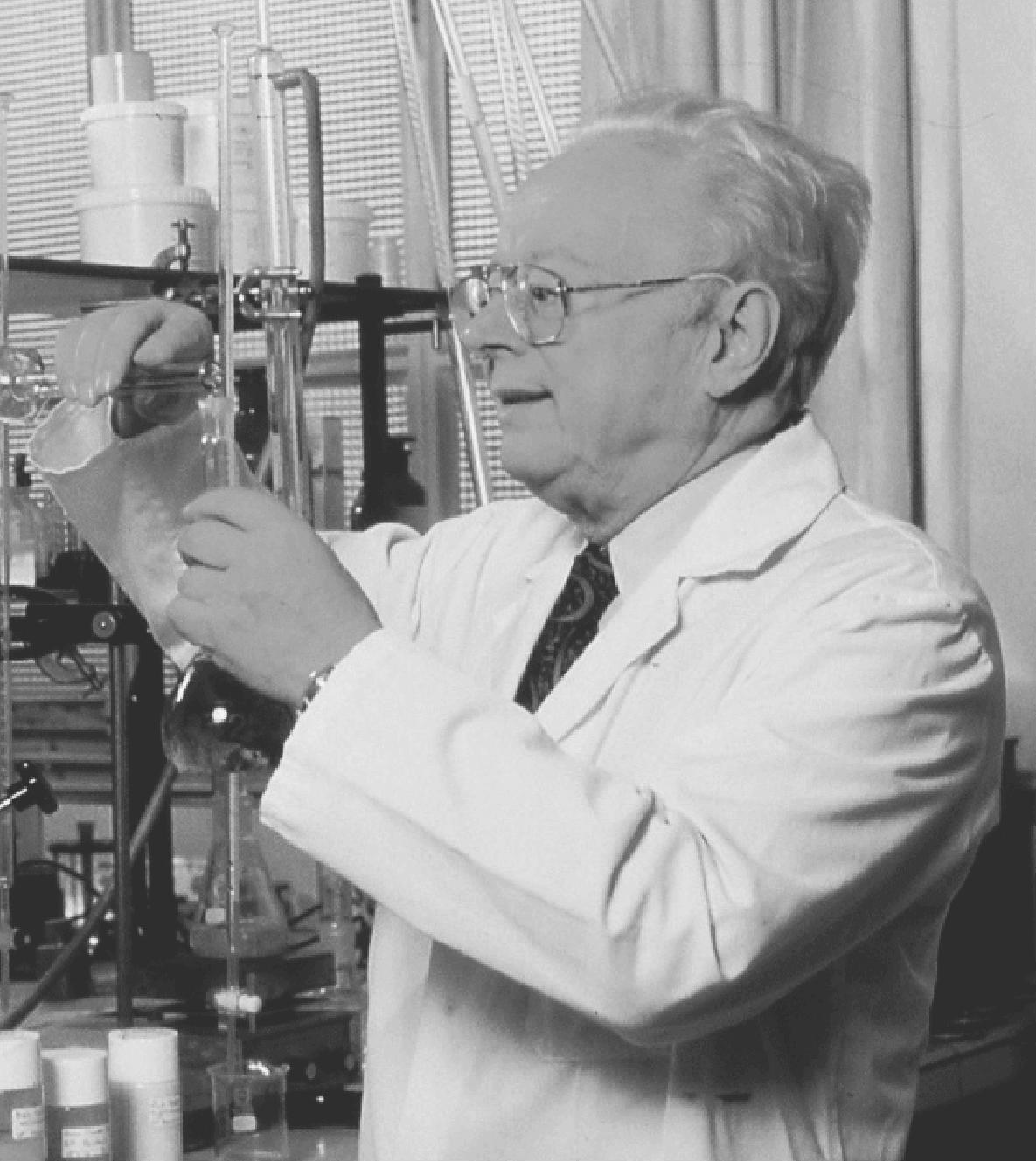 自然派スキンケアの先駆者ドクタールノー博士